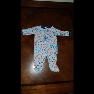 Newborn sleeper onesie footie